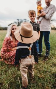 brentwood family counseling - family in a field