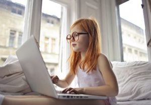 TN online counseling - girl in an online therapy session